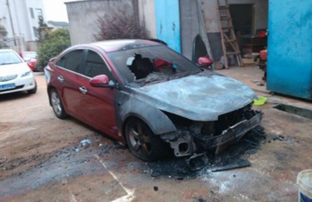 汽车自燃险要不要买?为什么一些保险销售却有钱不赚不推荐你买?